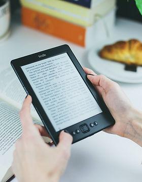 reading-reader-kindle-female-76942.jpg