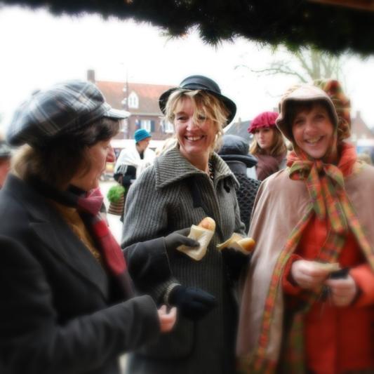 Dickens Festijn Drunen dames_edited_edited