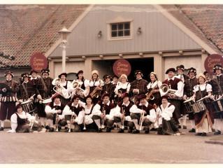 Show- and Marchingband Cornu Copiae Waalwijk groots aanwezig op Dickensfestijn Drunen