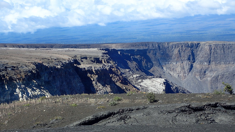 Kilauea summit.jpeg