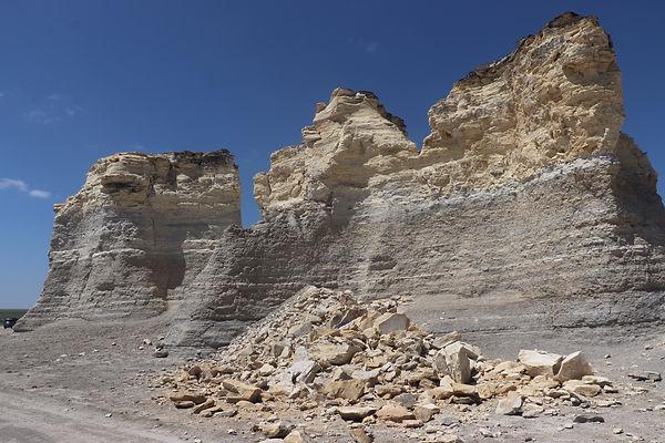 Monument Rocks 03.jpeg
