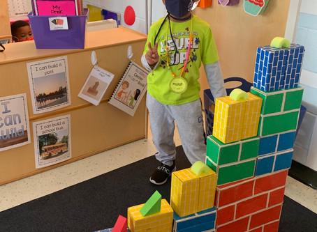 Pearl ECEC Student Explores the Block Center