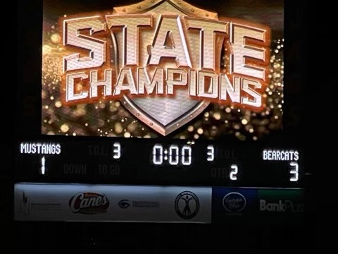 Long Beach Bearcats dominate Center Hill winning the 5A State Championship.