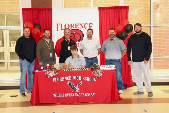 Austin Robinson signs letter to play baseball at Hinds Community College