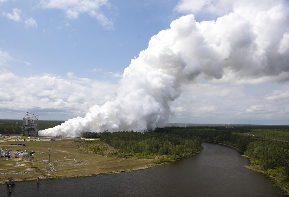 RS-25 single engine hot fire test