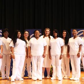 Nursing Schoolgraduates pinned