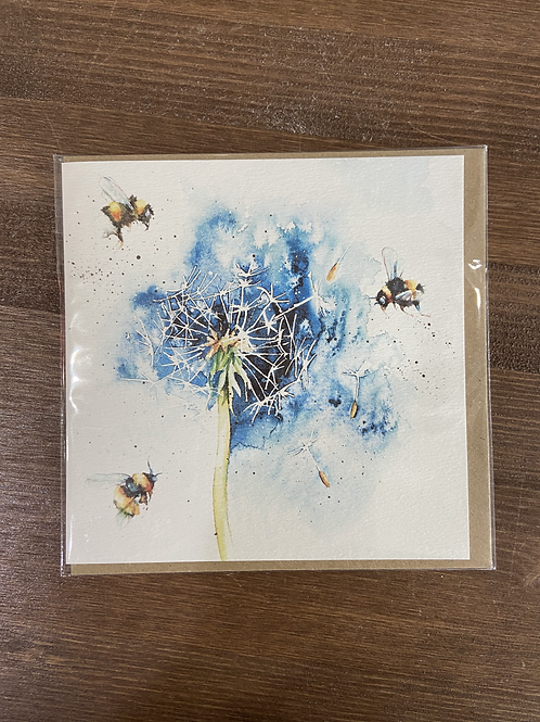 RT84 919 - DANDELION HEAD BEE CARD