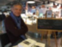 Séance de dédicace à Dax du roman Promenade autour d'Hoan Kiem de Philippe Mary