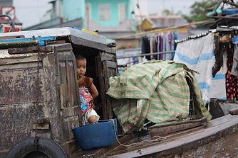 Enfant sur le delta du Mékong, au Vietnam. Promenade autour d'Hoan Kiem. Roman qui invite au voyage de Philippe Mary