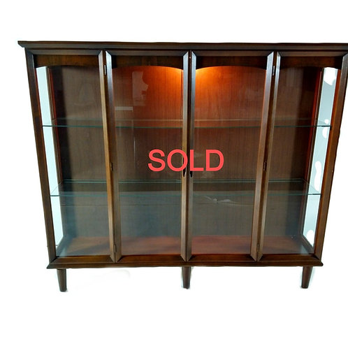 MCM Lighted Cabinet w Glass shelves