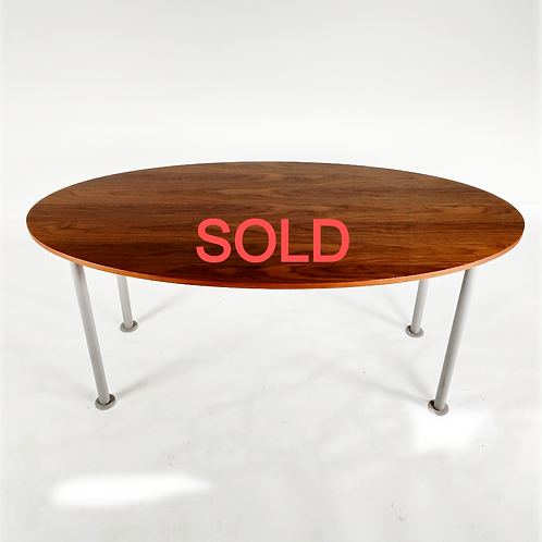 Oval Office Table by Bulo