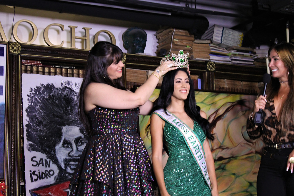 Cynthia Linnet Lau, Miss Earth Cuba 2021 crowned by Ariana Barouk, Miss Earth Cuba 2027