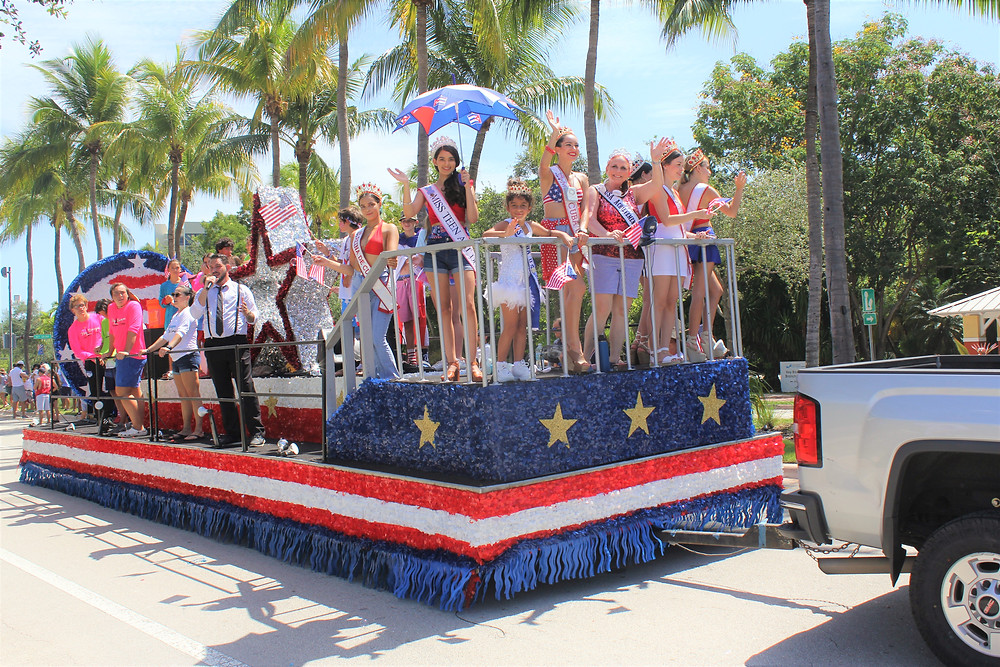 Miss Cuba US 2020 / 2021 titleholders Key Biscayne 4th of July Parade