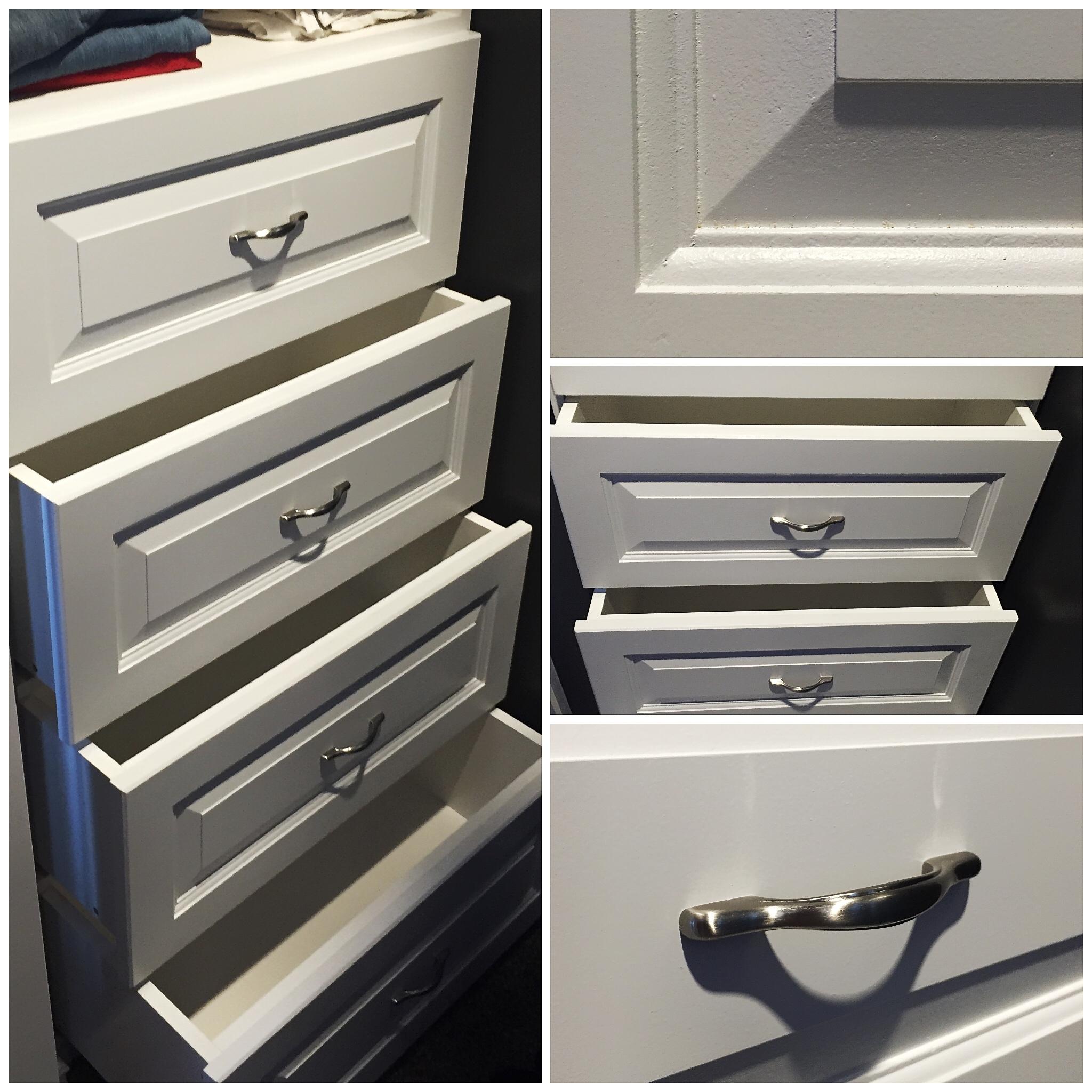 Walk-in Closet Shelf with Drawers