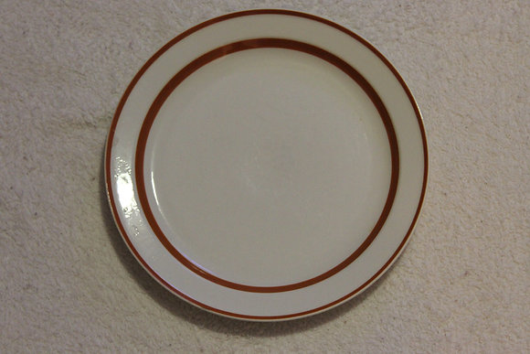 Red Stripe bordered plate