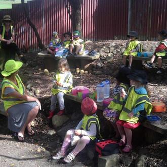 country-kids-farm-lunch1.jpg