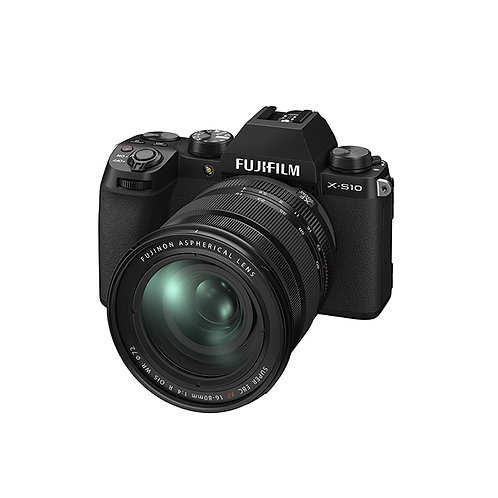 FUJIFILM X-S10 with 16-80mm