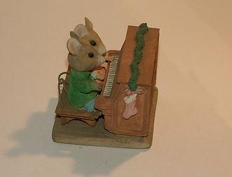 Christmas mouse couple.JPG
