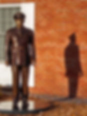 Statue in Plaza cropped more.jpg