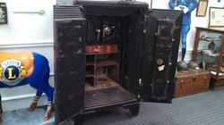 2500 pound safe