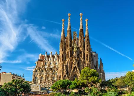 Gaudi's Sagrada Familia in One Minute!