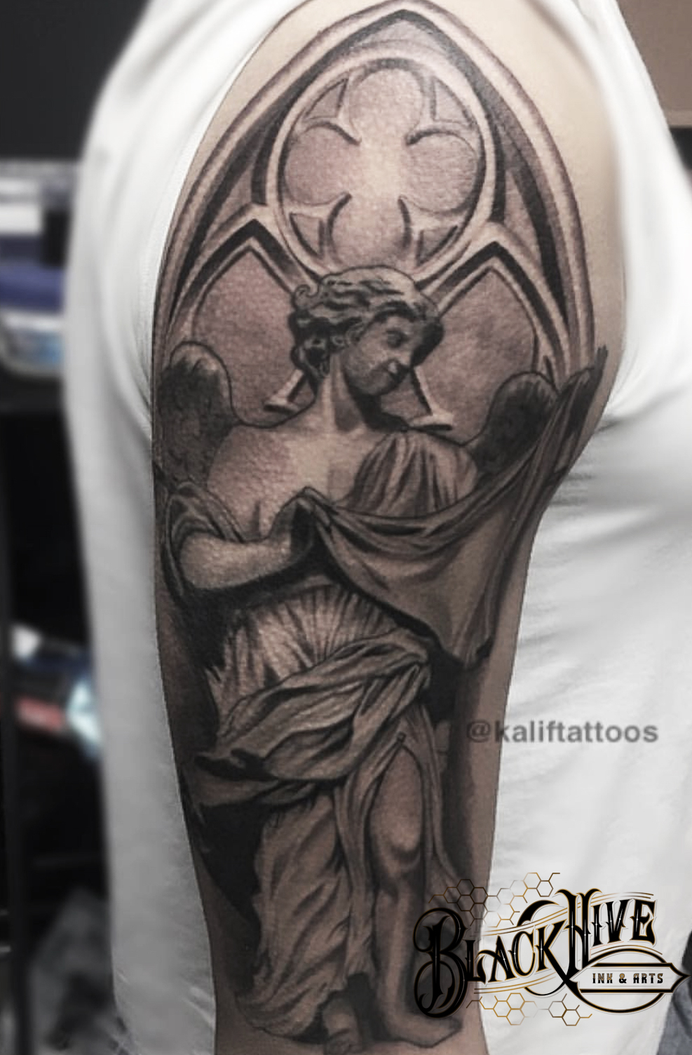STATUE  best realism tattoo
