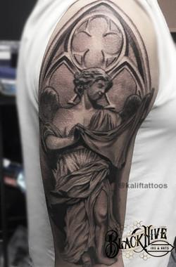 STATUE  best realism tattoo