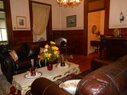 Maine hotels Lewiston Auburn parlor