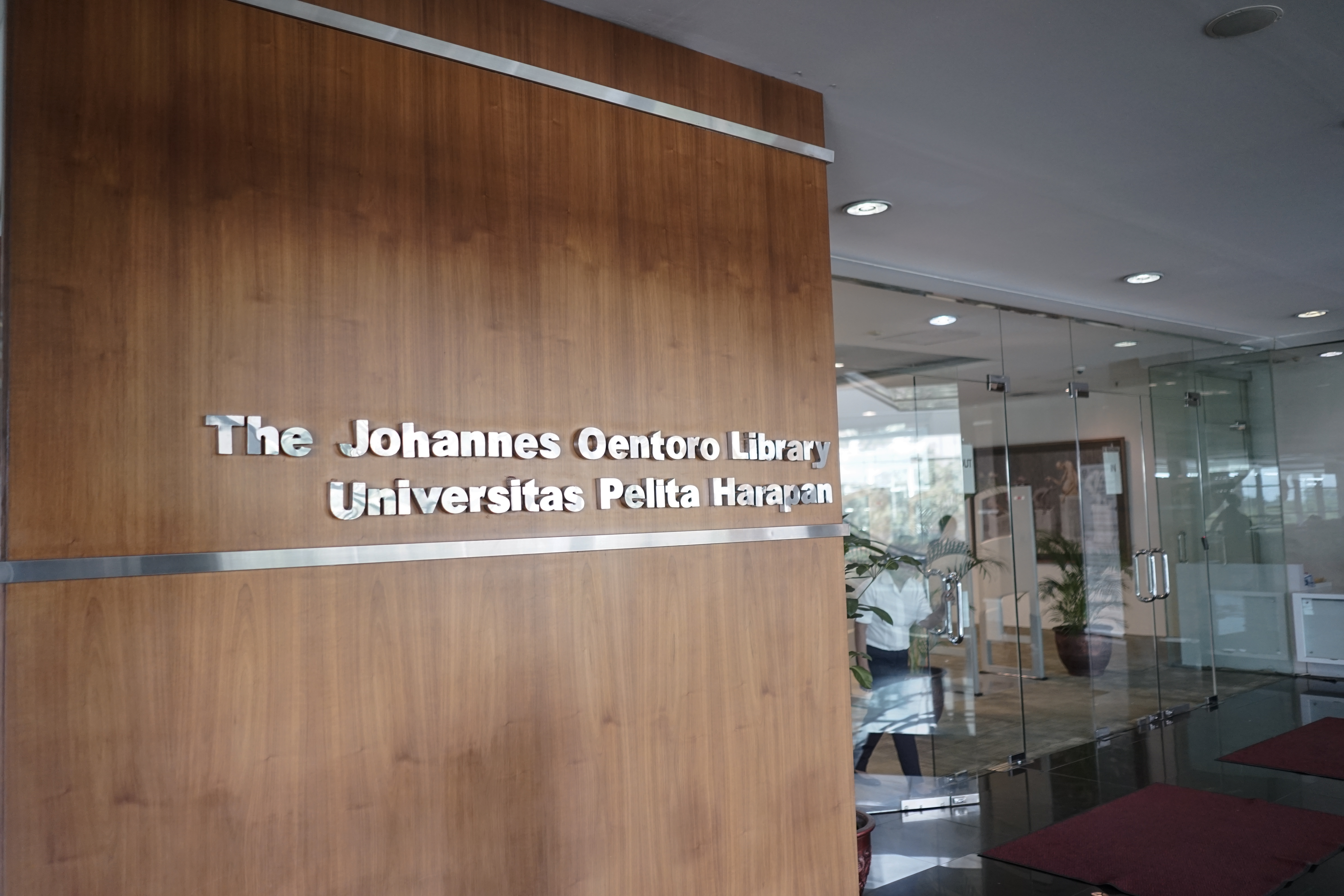 The Johannes Oentoro Library