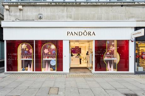 Pandora Oxford Street - Christmas 2020