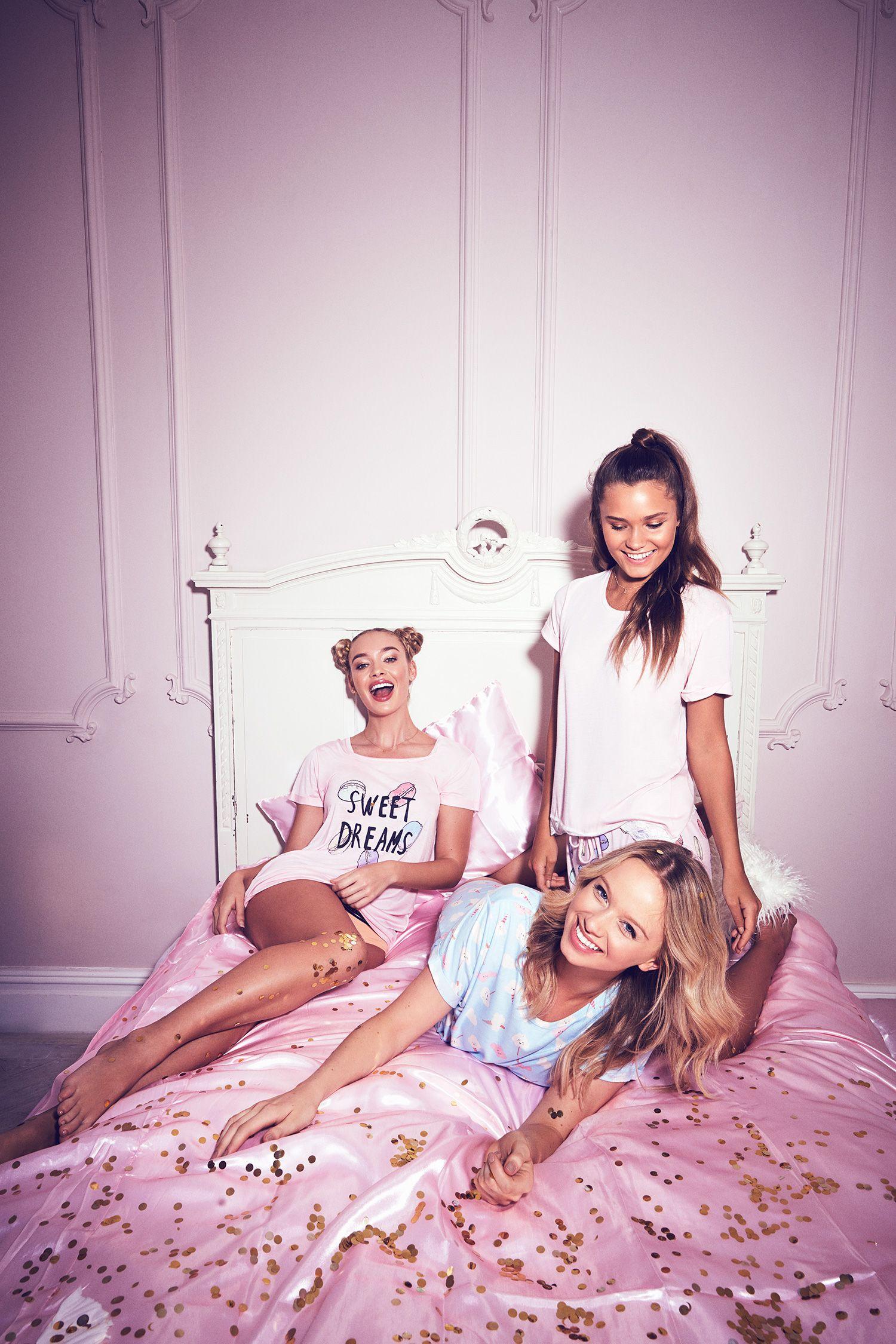 chelsea-peers-fashion-sleepwear-pyjama-lingerie-shoot-london-cute-2
