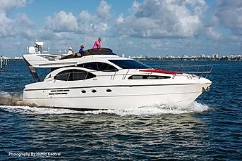 mo money yacht.JPG