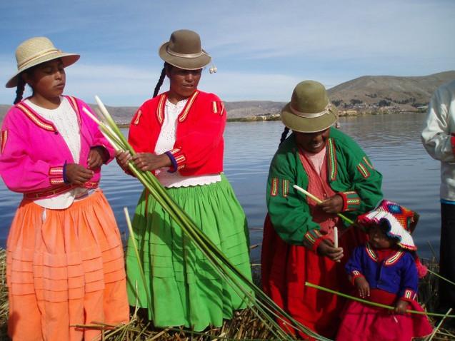 Campesino women in Peru