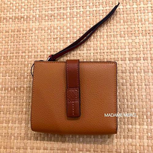 【LOEWE】Compact zip wallet / Light Caramel+Pecan