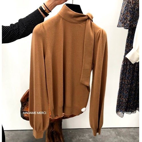 【CELINE】WOOL AND CASHMERE LAVALLIERE NECK SWEATER