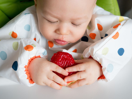 How to start offering your baby solid food