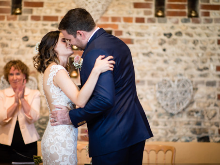 5 Top Reasons to Choose a Wedding Celebrant