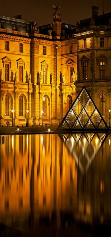The Louvre, Paris.jpg