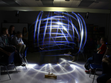 Advisory students play with light painting