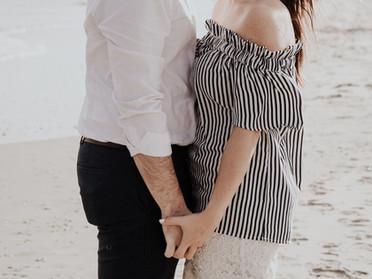 當你一直很擔心伴侶出軌:你通常是專注你的恐懼憂慮,還是專注關係互動?