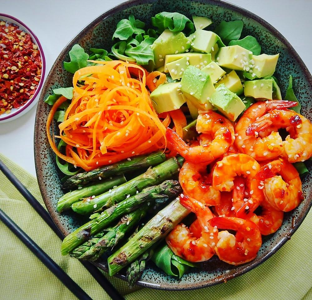 Sticky sweet chilli prawn bowl