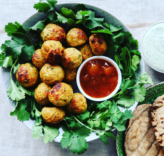 Tandoori Chicken Bites with Mint Raita