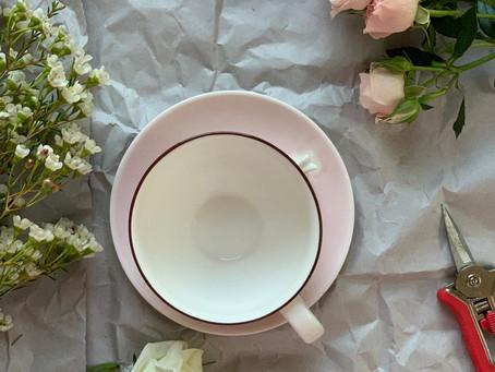 كأساً من الورد