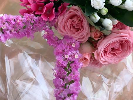 Create a mini bouquet and flower card.