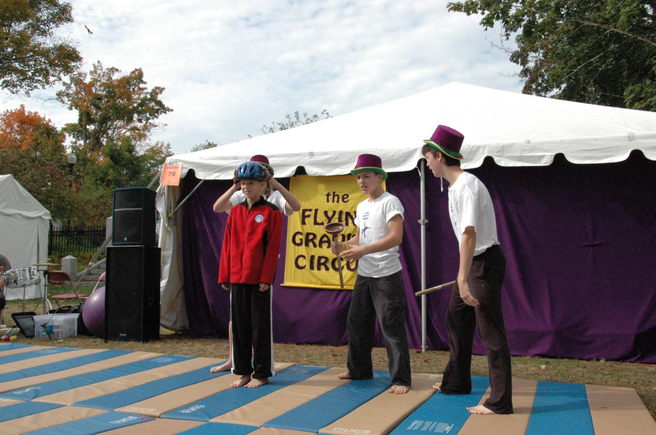 2012-10-06 Flyin Gravity Circus - Pumpkin 029.JPG