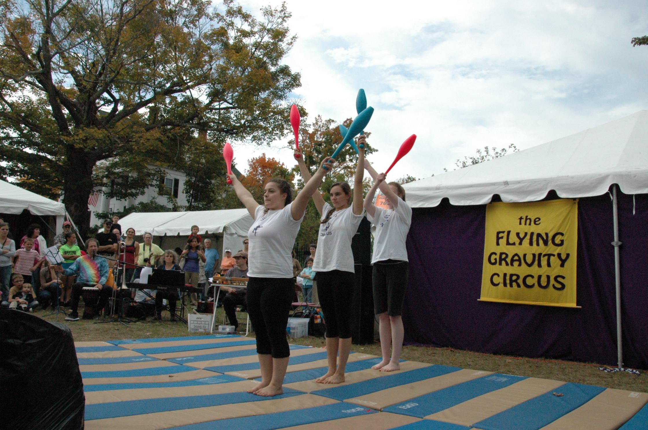 2012-10-06 Flyin Gravity Circus - Pumpkin 110.JPG