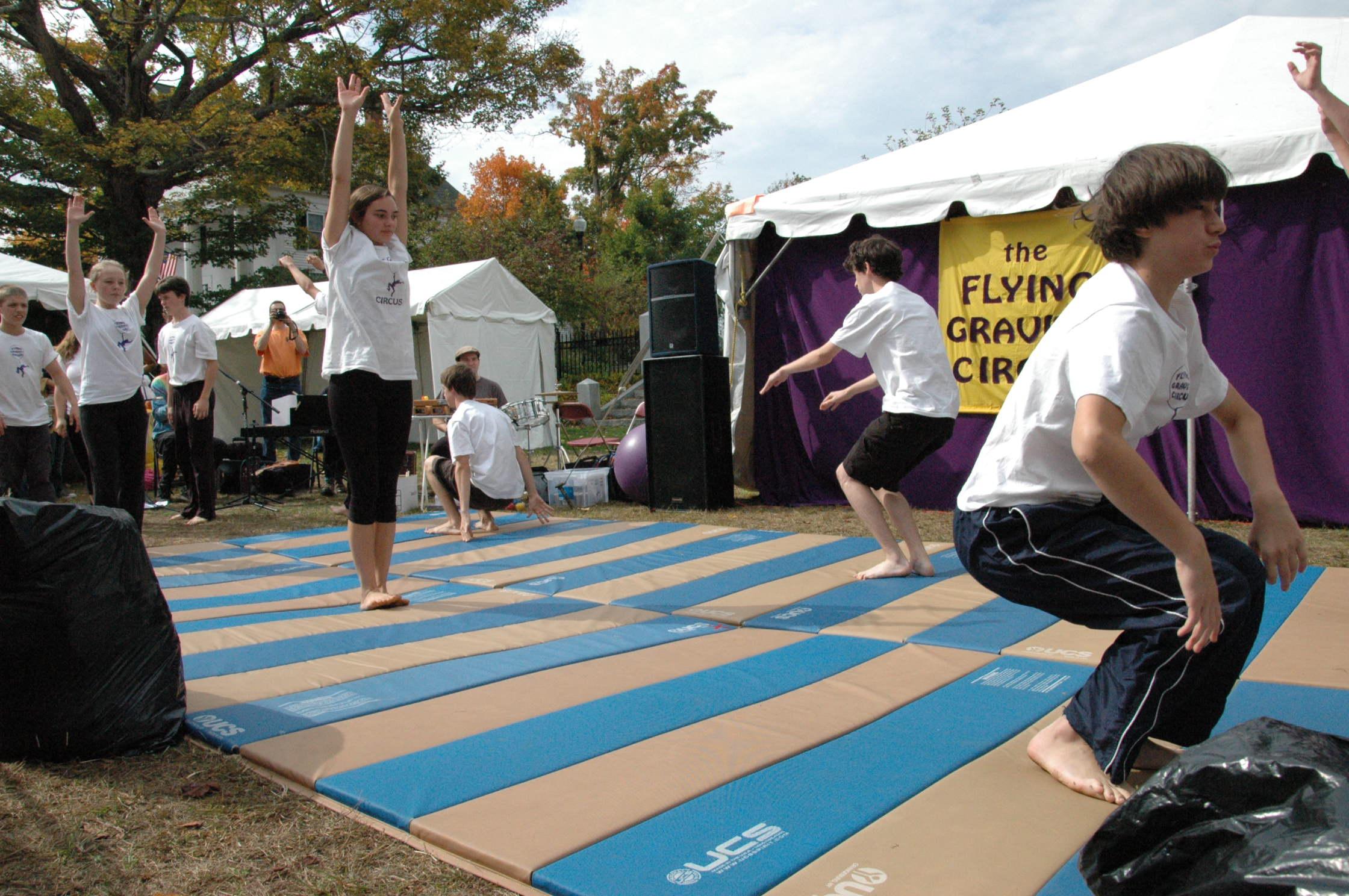 2012-10-06 Flyin Gravity Circus - Pumpkin 037.JPG
