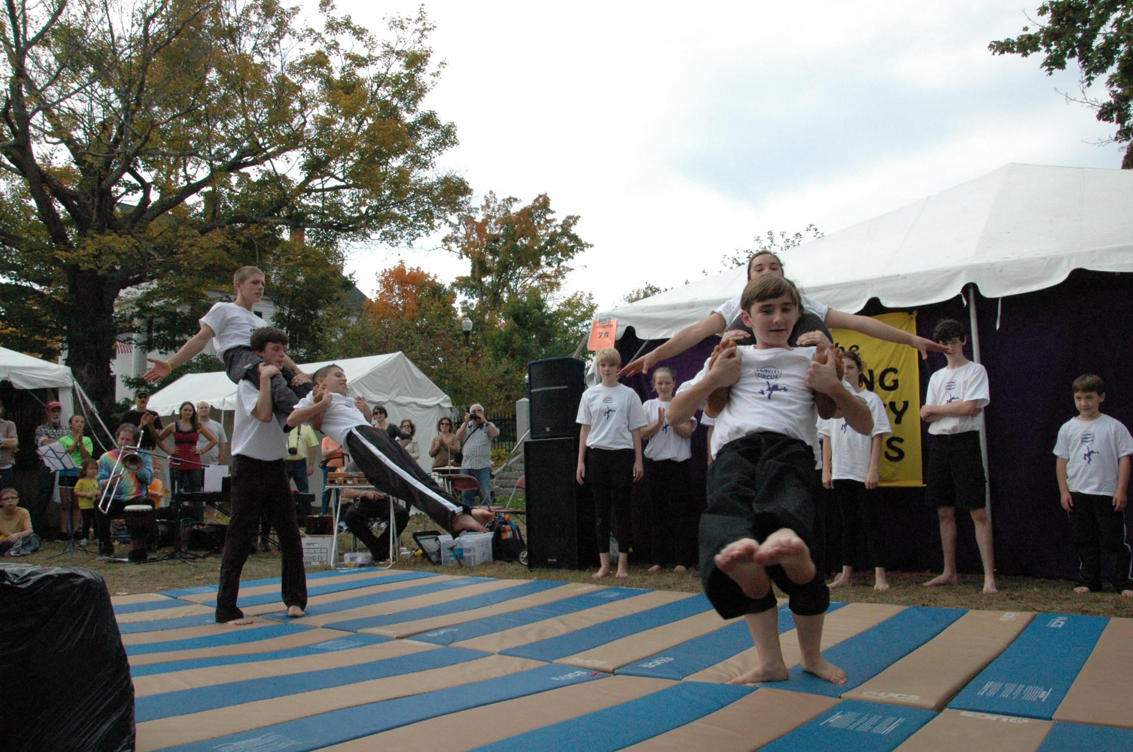 2012-10-06 Flyin Gravity Circus - Pumpkin 139.JPG