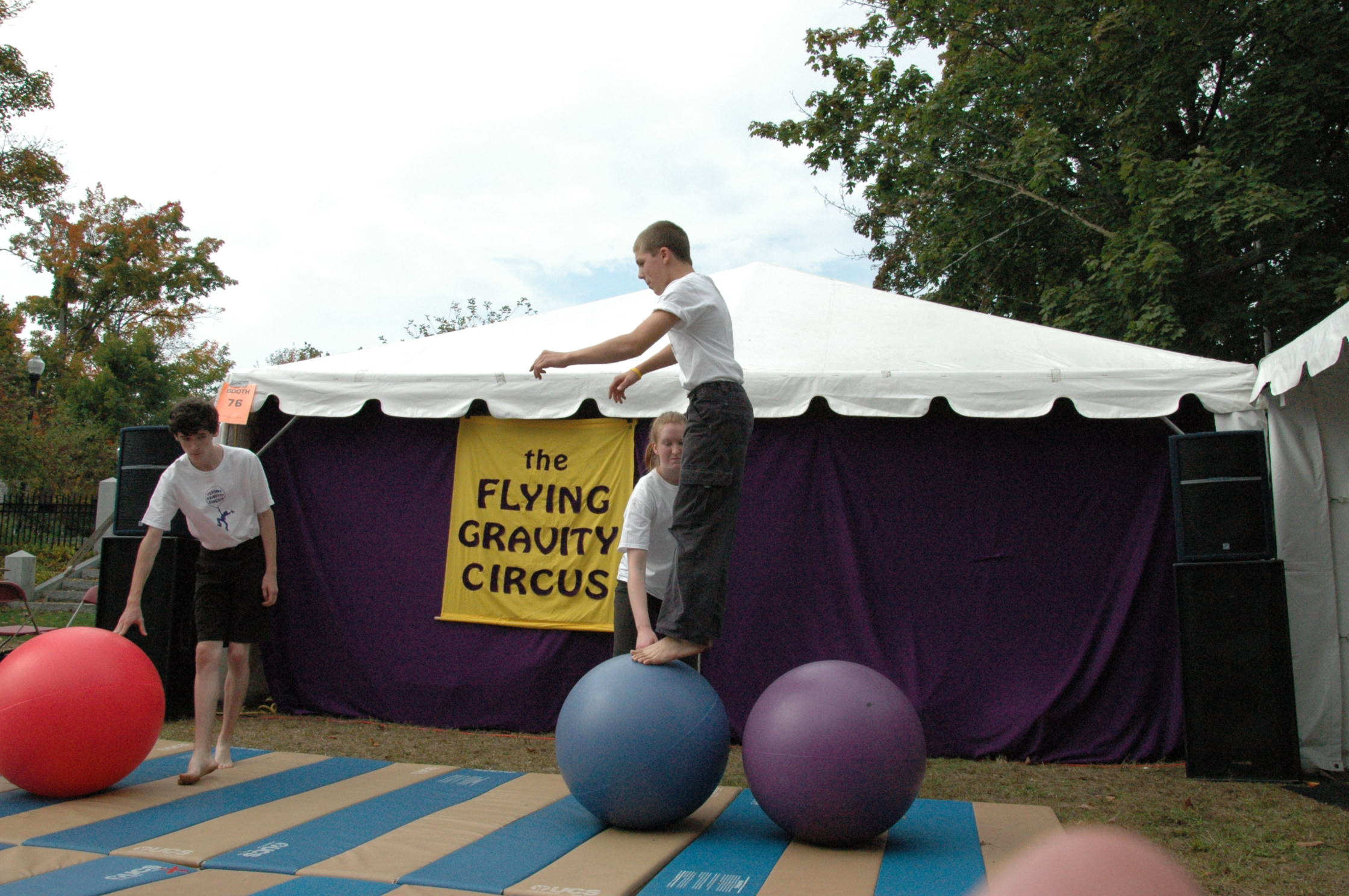 2012-10-06 Flyin Gravity Circus - Pumpkin 078.JPG