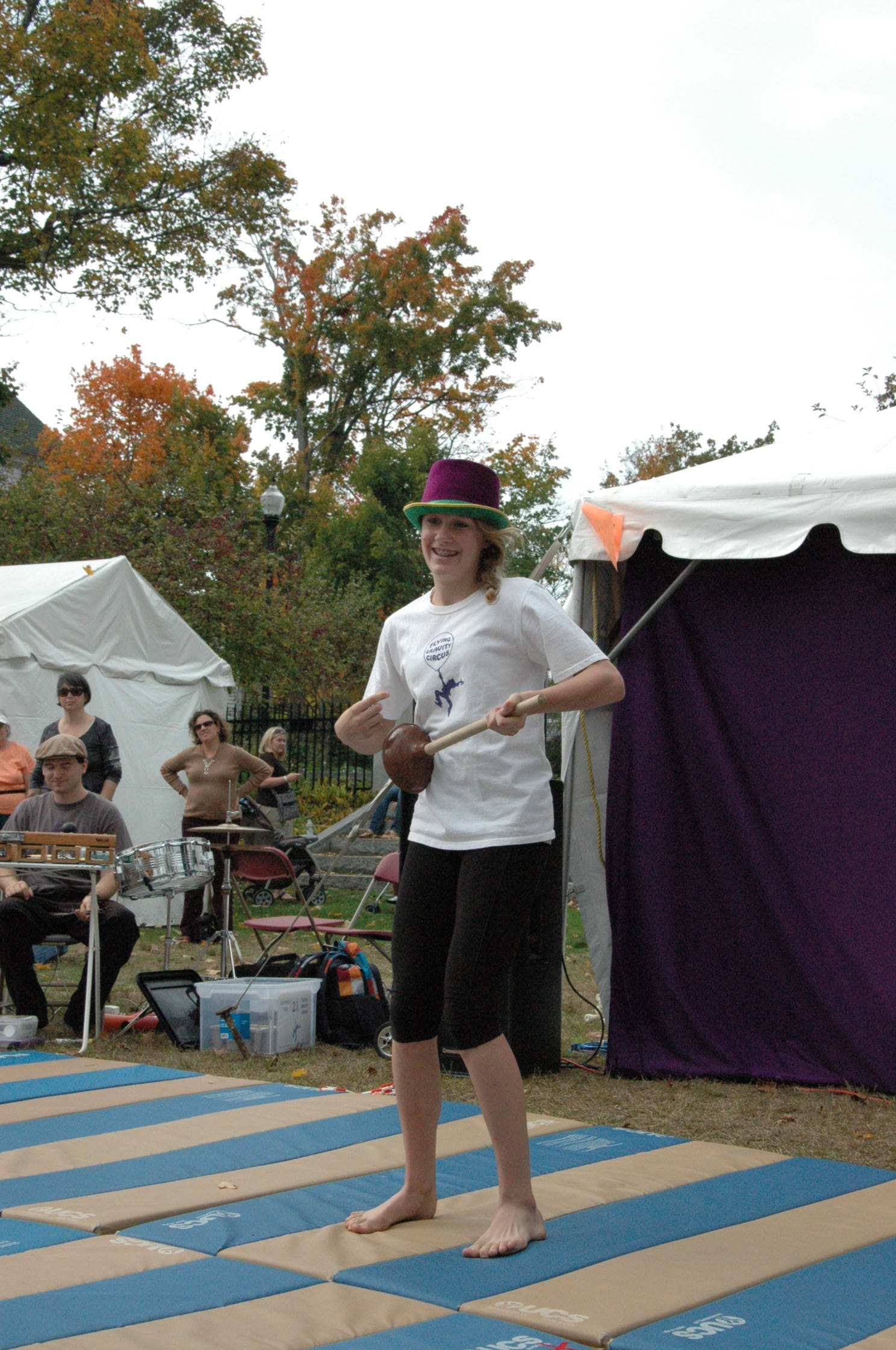 2012-10-06 Flyin Gravity Circus - Pumpkin 111.JPG
